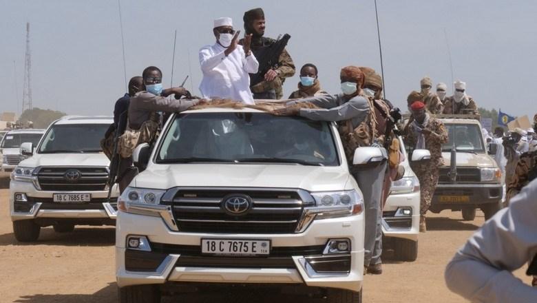 Au Tchad, le Maréchal Idriss Déby assigne ses opposants à résidence et part en campagne présidentielle dans le sud du pays