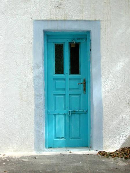 blue-turquoise-door