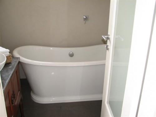 guest_tub