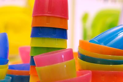 ikea_colorful_plastic_cups