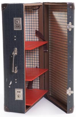 suitcase closet L left