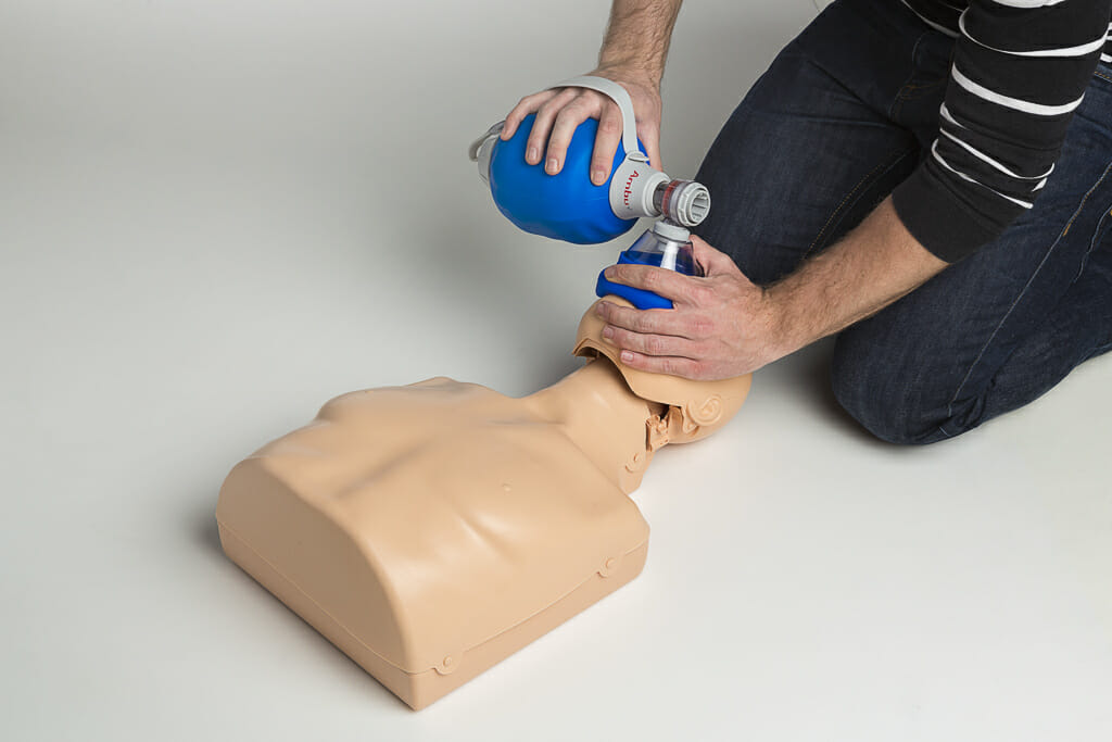 Erste Hilfe mit Beatmungsbeutel