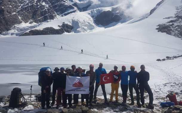 TDF Tetnuldi Dağı Zirve Tırmanışı başarıyla tamamlandı.