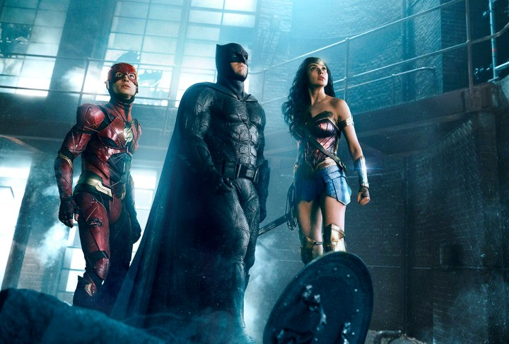 Justice League: The Flash, Batman si Wonder Woman
