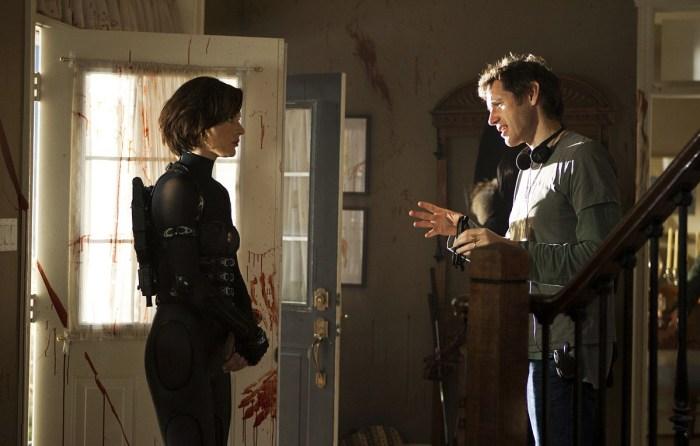 Milla Jovovich şi soţul ei, regizorul Paul W.S. Anderson la filmările lui Resident Evil: Retribution