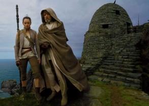 Star Wars: The Last Jedi (Luke Skywalker şi Rey)