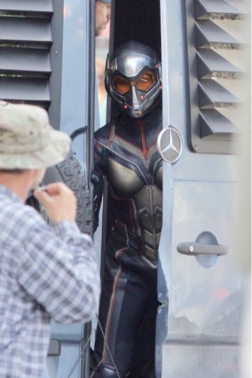 Imagine cu Evangeline Lilly la filmari pentru Ant-Man And The Wasp (2018)