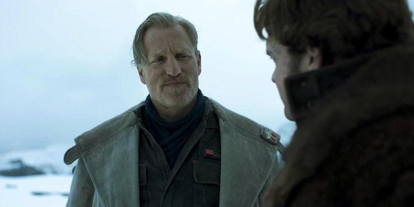 Woody Harrelson este Beckett si Alden Ehrenreich este Han Solo in SOLO: A STAR WARS STORY
