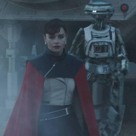 Emilia Clarke este Qi'Ra in SOLO: A STAR WARS STORY