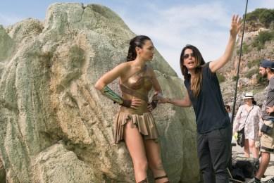 WONDER WOMAN: Regizoarea Patty Jenkins si Gal Gadot (Wonder Woman)
