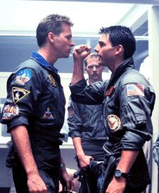 i Tom Cruise în Top Gun (1986)