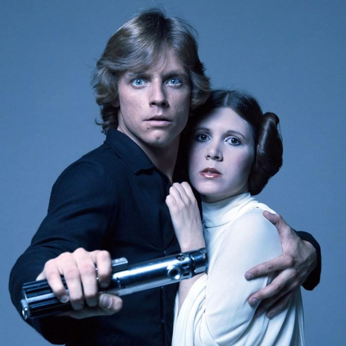 Mark Hamill (Luke Skywalker) şi Carrie Fisher (Leia)