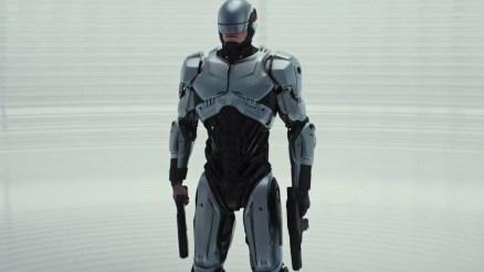 RoboCop (Joel Kinnaman) în 2014, regizat de José Padilha