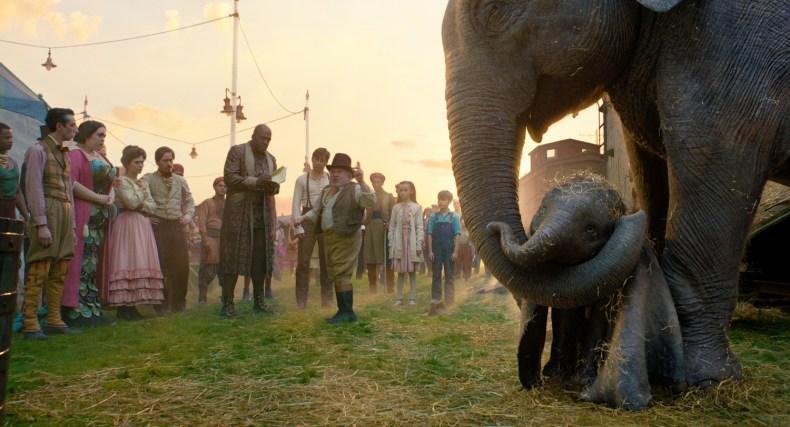 Vizionarul regizor Tim Burton, aduce pe ecrane aventura extraordinară a lui Dumbo