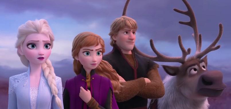 Elsa, Ana, Kristoff şi Sven.