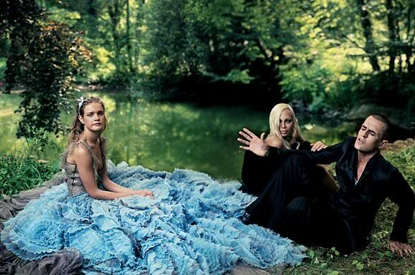 'Alice in Wonderland' [Image: Grace Coddington / Vogue]