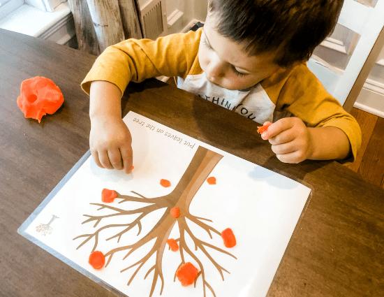 Thanksgiving Playdoh Mats – Free Printable