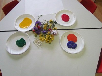 Painting with a bouquet of flowers in preschool