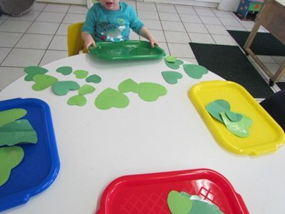 Inviting children to play in preschool