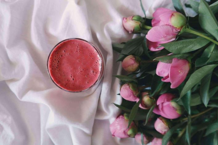 berry-smoothie-for-busy-moms