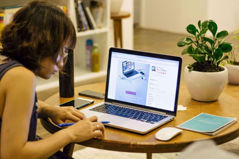 mom-working-on-laptop-work-life-balance