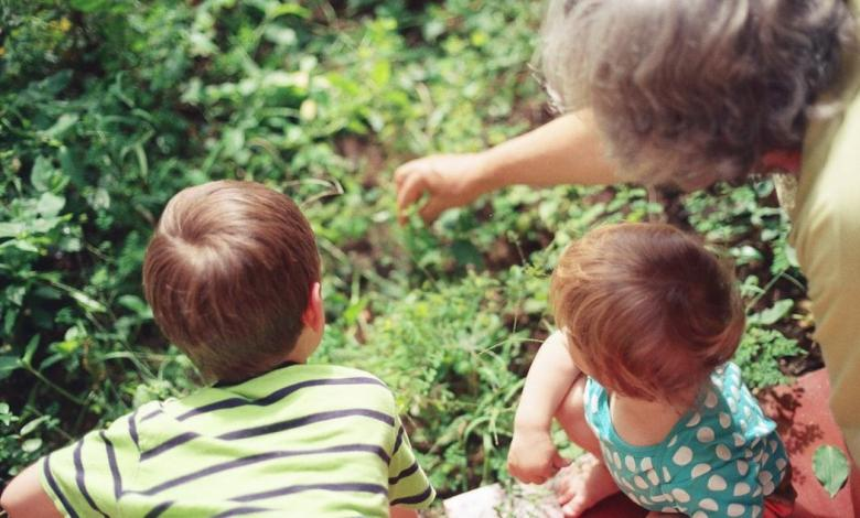 How to Take Care of Your Kids and Aging Parents (and Not Lose it)