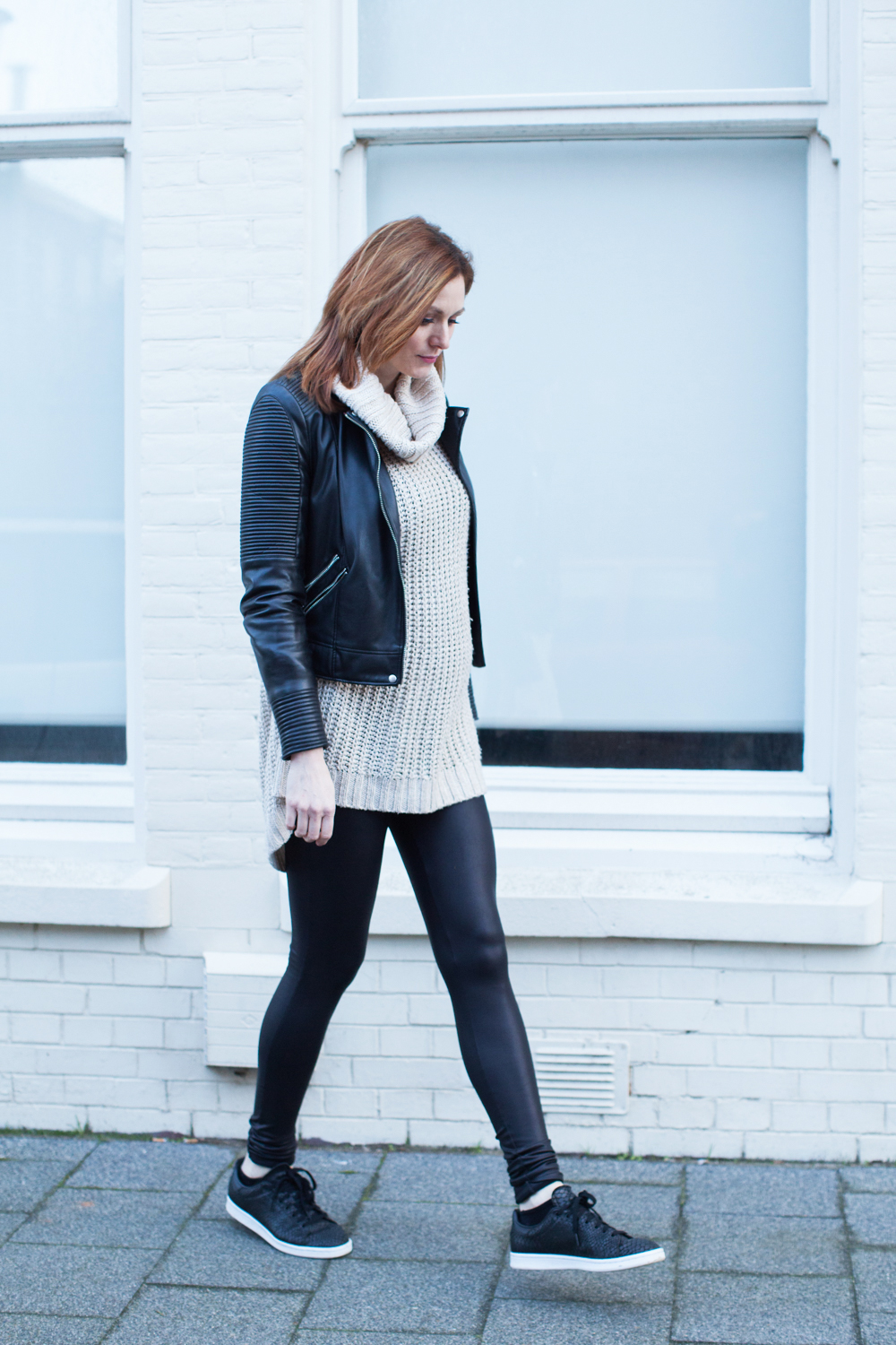 Casual everyday look for moms to be. Oversized turtleneck sweater paired with faux leather leggings and jacket.