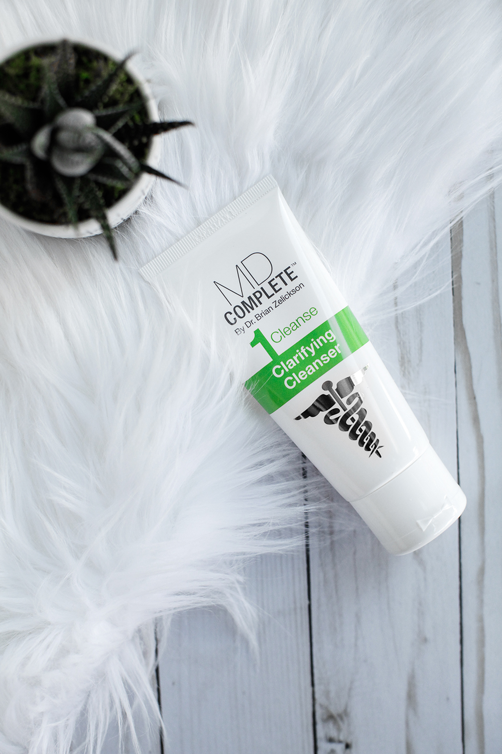 Clarifying cleanser for clear skin