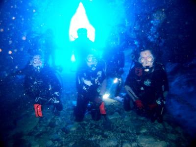 渡名喜島青の洞窟