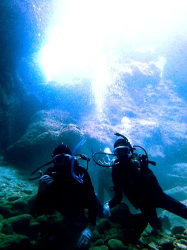 慶良間諸島光の洞窟体験ダイビング