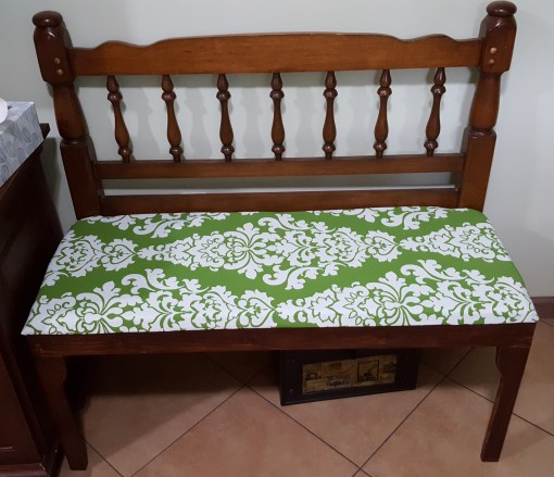 greenandwhitebench