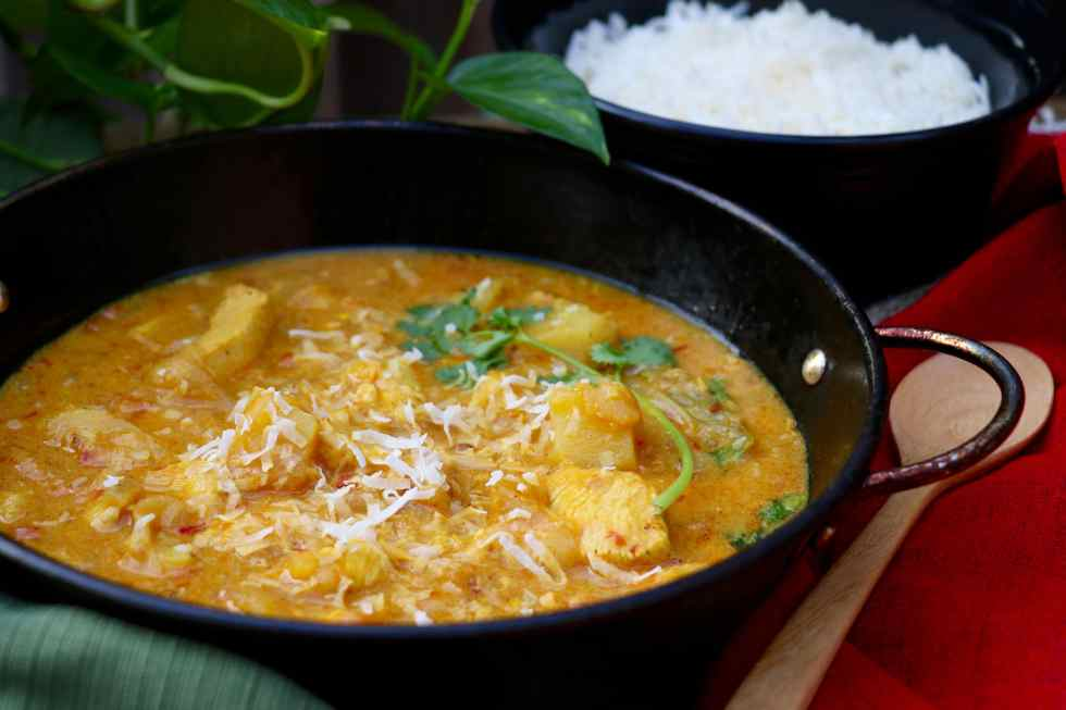 Spicy Coconut Chicken and Vegetable Curry