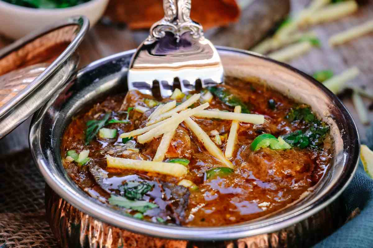 Easy Slow Cooker Nihari (Pakistani Beef Stew)