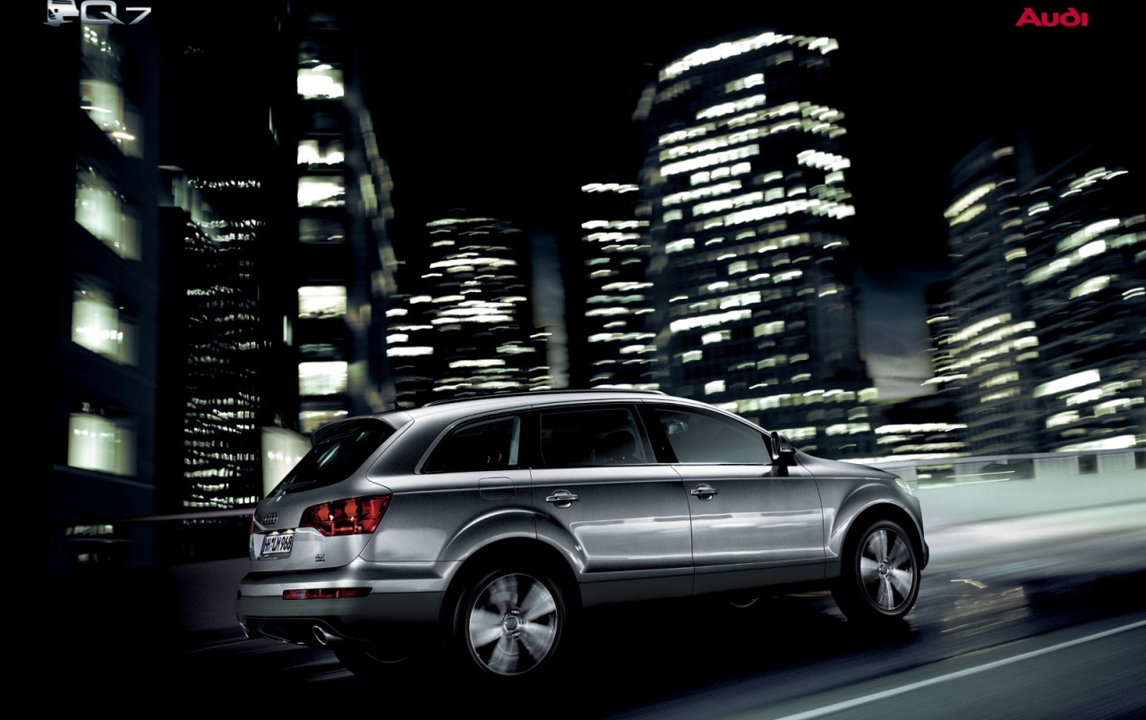 More hd wallpapers of audi r8, audi sports cars and supercars will be added soon. Audi Q7 In City Wallpapers Audi Q7 City 1280x804 Wallpaper Teahub Io