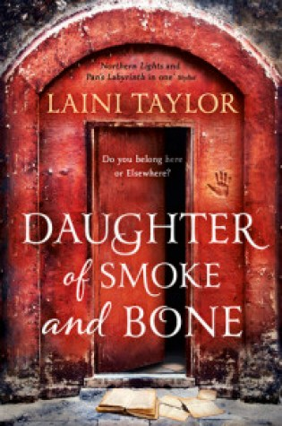 Review: Daughter of Smoke & Bone, Laini Taylor