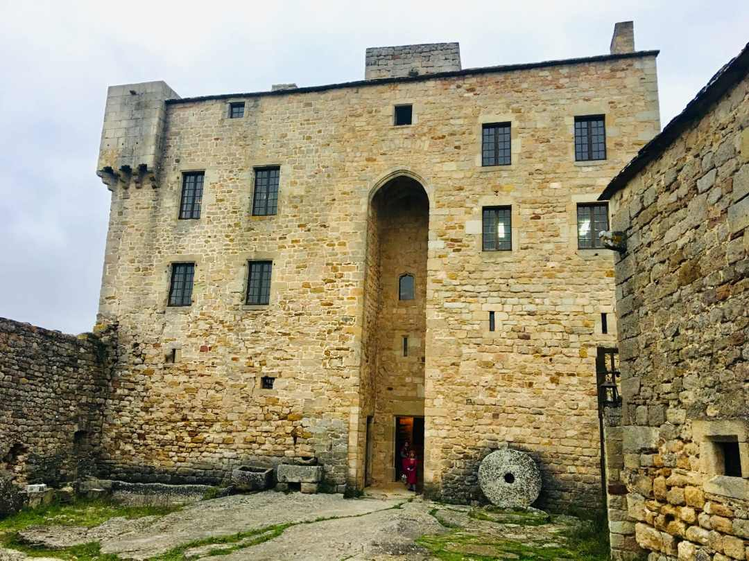 TOur Chateau de Montaigut