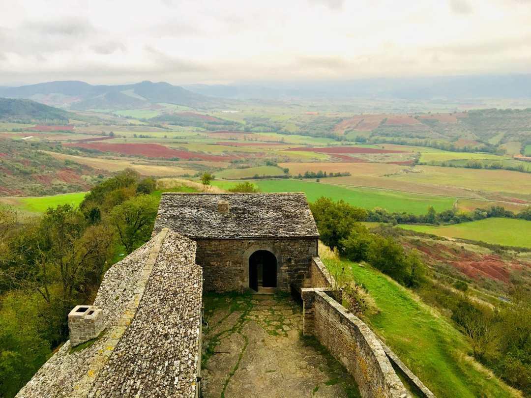 COurs Chateau de Montaigut
