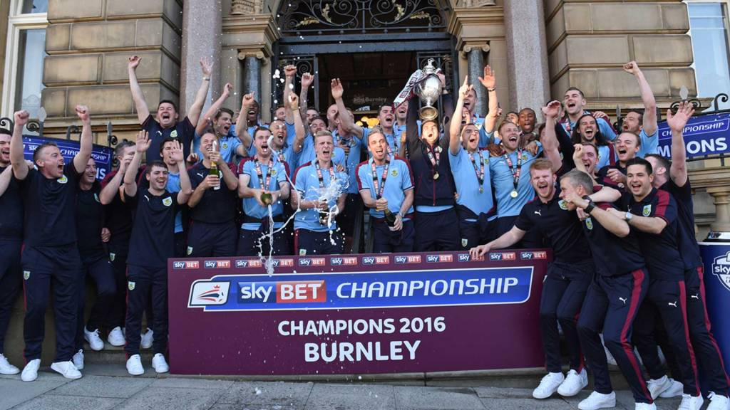 Burnley win the Championship 2016