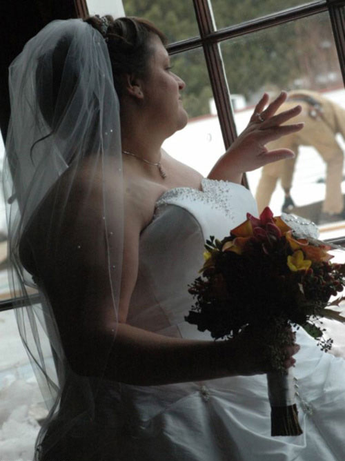 Funny Wedding Photos 11 More Funny Amp Disastrous Pics