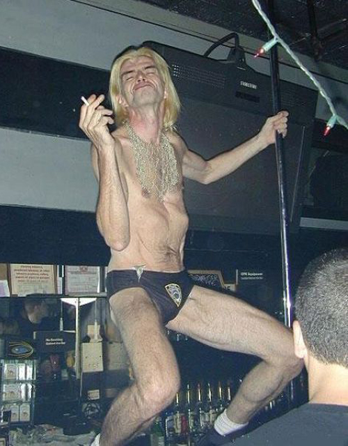 old pole dancer, male pole dancer chippendales, Bad Family Portraits, Worst Family Photos Bad Family Photos, Ellen, funny family photos, worst family pics, funny pictures, awkward family photos, wtf, ugly people, stupid people, crazy people, people of walmart