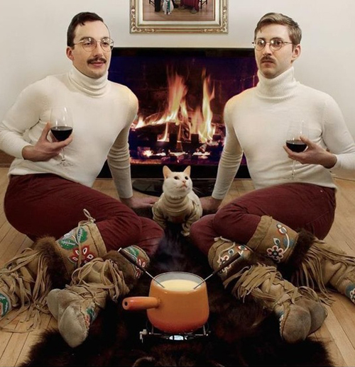 twins Bad Family Portraits, Bad Family Photos, Ellen, funny family photos, worst family pics, funny pictures, awkward family photos, wtf, ugly people, stupid people, crazy people, people of walmart male effeminate cat
