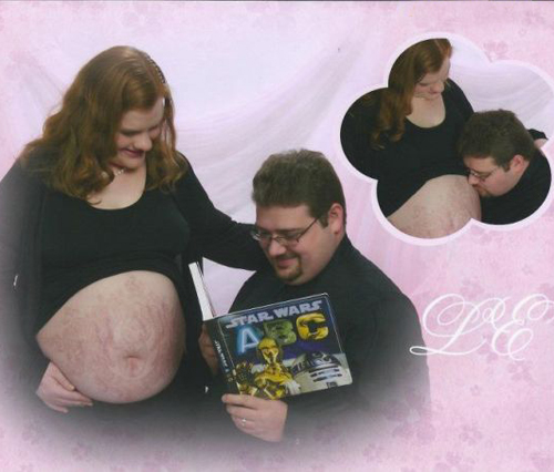 Reading ABC Star Wars pregnant stomach stretch Bad pregnancy photos pictures, funny pregnant, funny pregnancy pictures, worst pregnancy pictures, bad maternity photos, funny maternity, funny pictures, awkward family photos strange weird crazy stupid