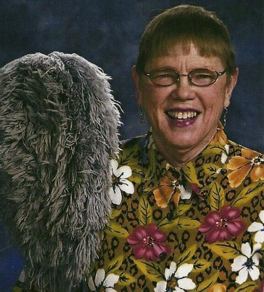 Despite family objections, Aunt Nan still married her dust mop. Portrait of woman grandma swiffer Bad Family Portraits, Bad Family Photos, Ellen, funny family photos, worst family pics, funny pictures, awkward family photos, wtf, ugly people, stupid people, crazy people, people of walmart