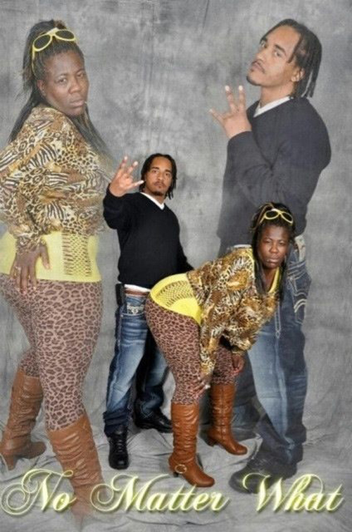 Bad Couples Portrait No Matter What Bad Family Portraits, Bad Family Photos, Ellen, funny family photos, worst family pics, funny pictures, awkward family photos, wtf, ugly people, stupid people, crazy people, people of walmart