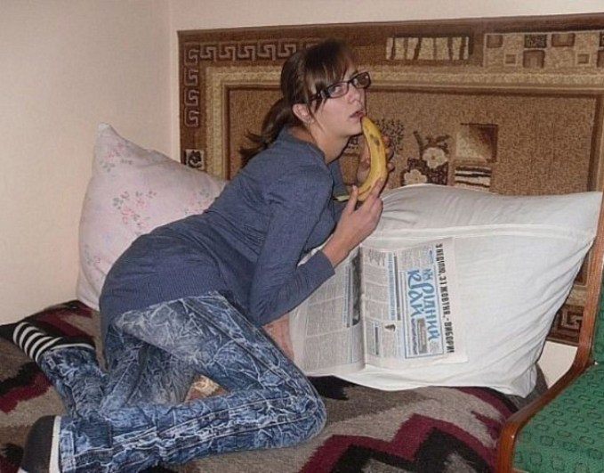 Girl on Bed Banana ~ 34 Failed Attempts at Looking Sexy Profile Pics