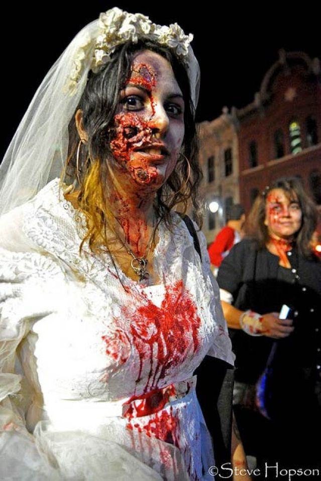 I Married a Zomve and 14 other funny wedding photos