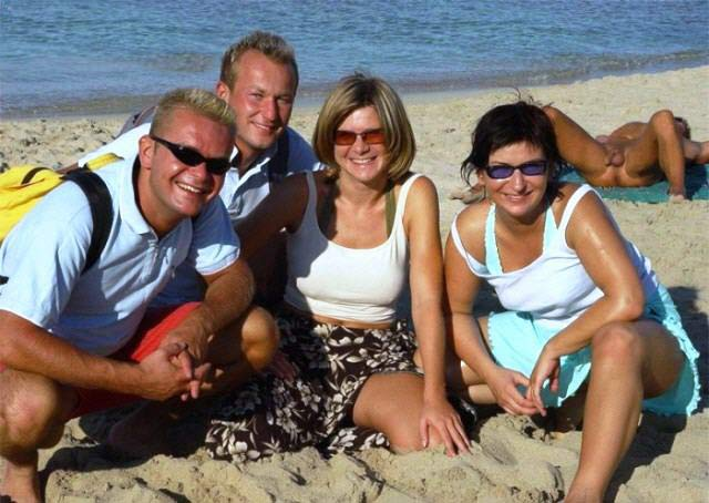 Beach Ball Photobomb 38 Awkwardly Funny Family Vacation Photos