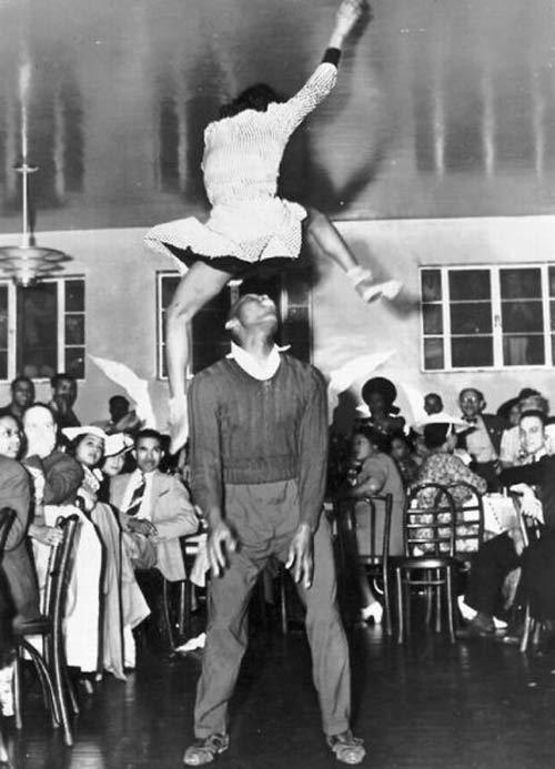 Vintage Dancing ~ 16 Funny Pics & Memes