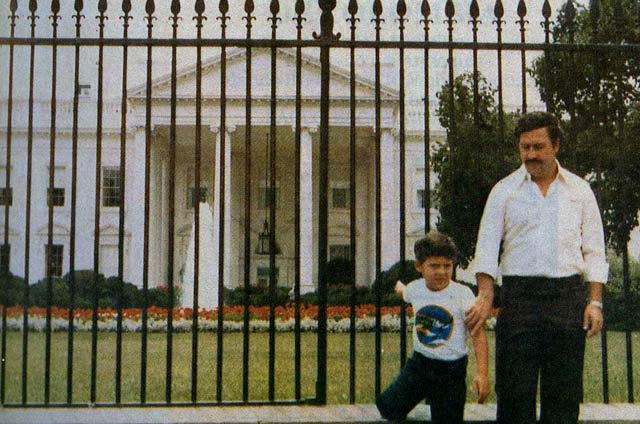 Drug Lord Pablo Escobar at the White House ~ 28 Rare Historical Photos You Must See