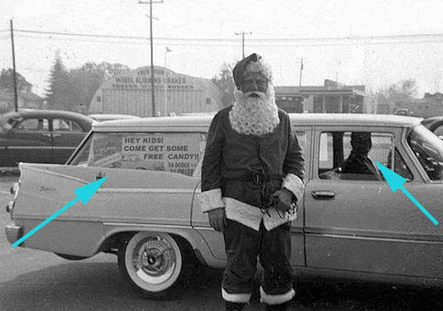 Creepy Santa: Free Candy Station wagon ~ 25 Scary Photos